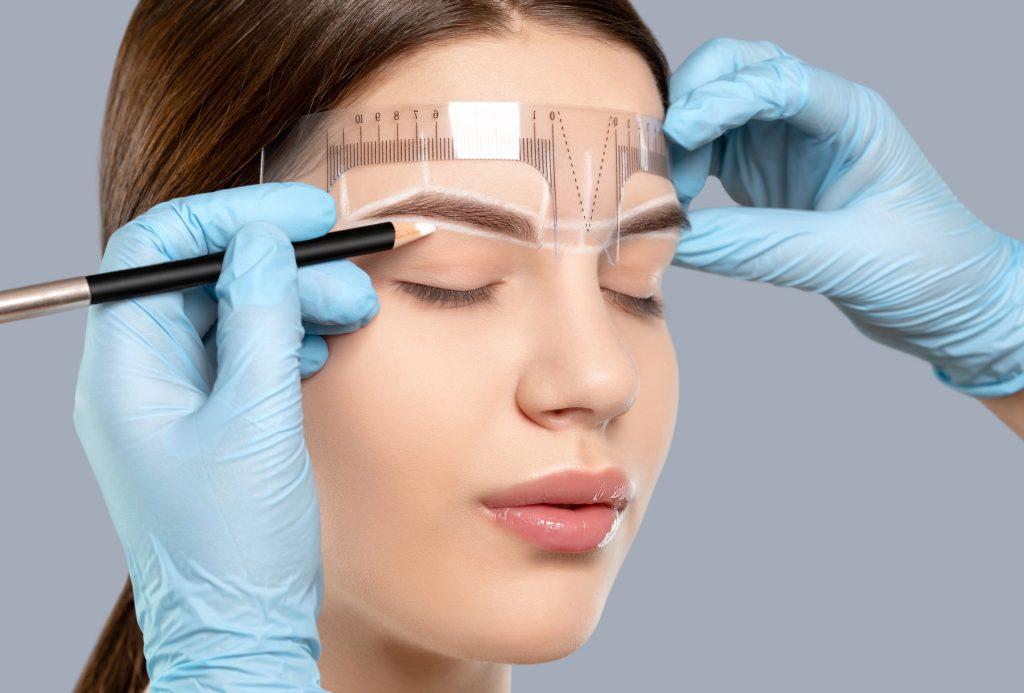 maquillaje permanente cejas nanoblading fuengirola