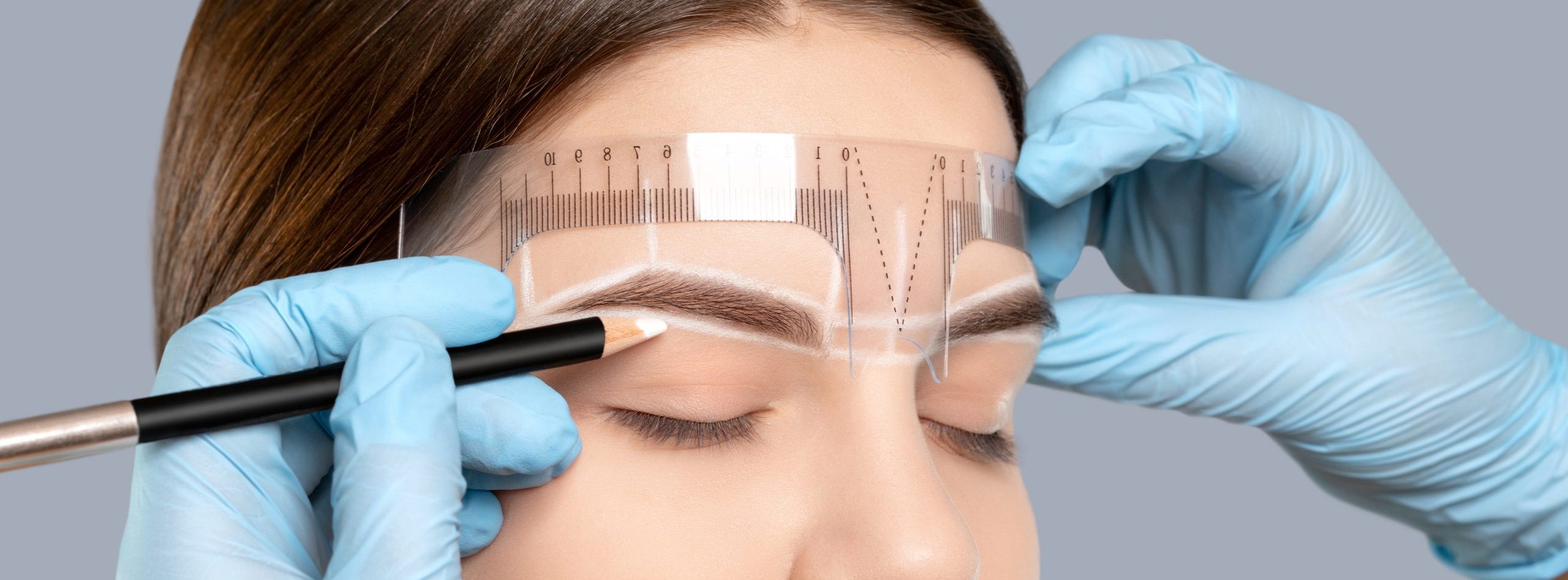 Permanent,Make-up,For,Eyebrows,Of,Beautiful,Woman,With,Thick,Brows