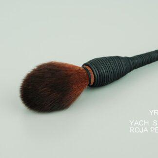 Yachiyo-Sintetica-Roja-Pequena-cerca.jpg