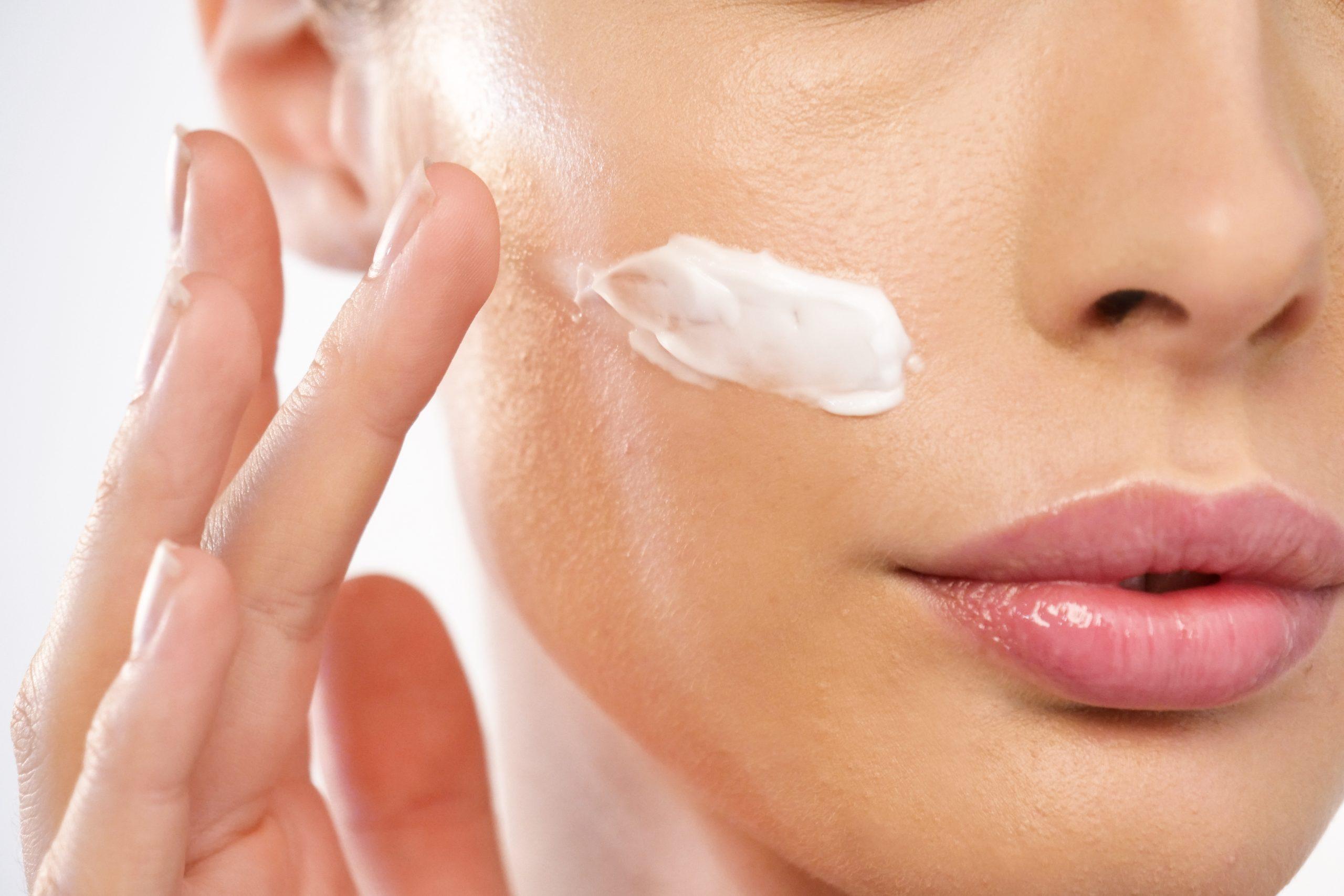 formación cosmetica estetica fuengirola profesionales burgundy